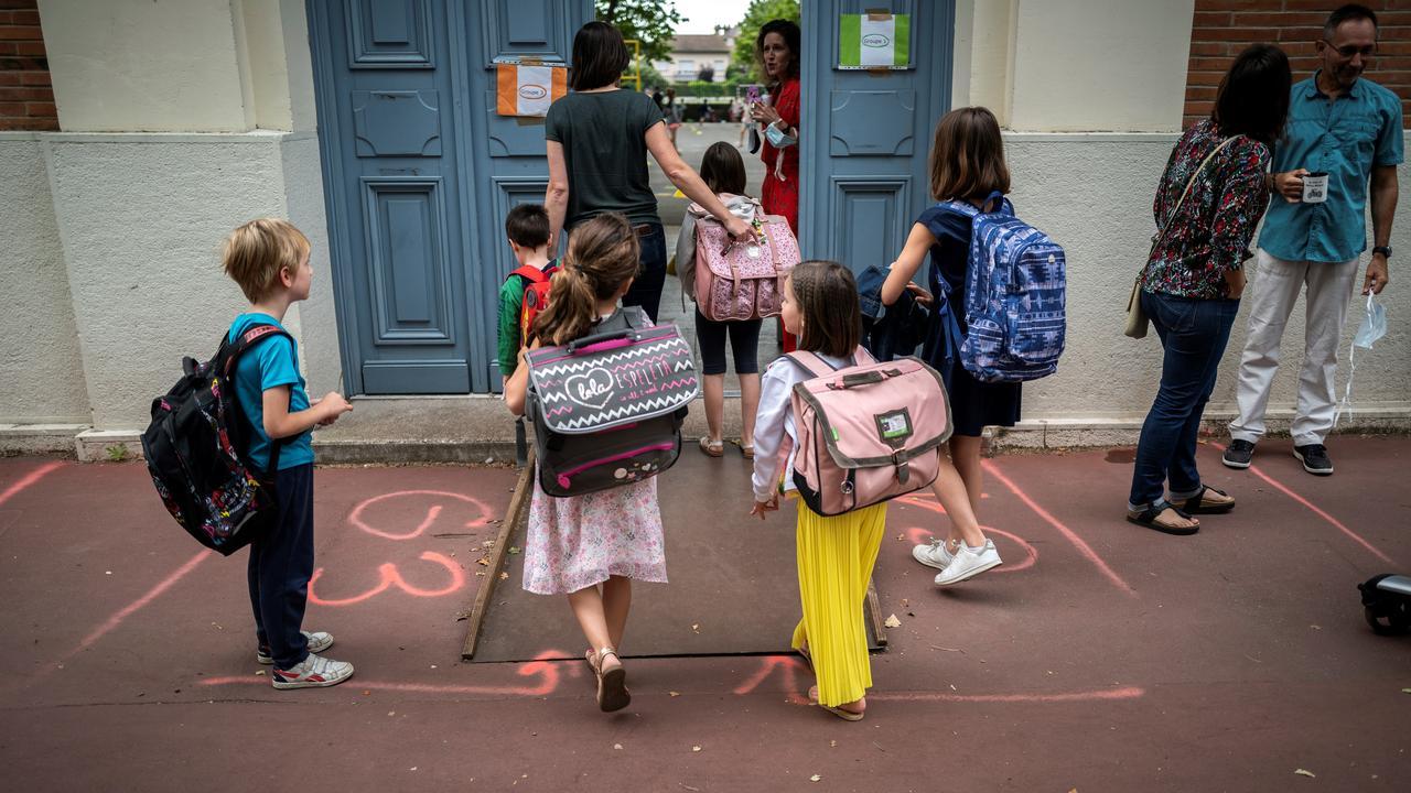 """Covid-19: les pédiatres """"inquiets"""" quelques jours avant la rentrée scolaire"""